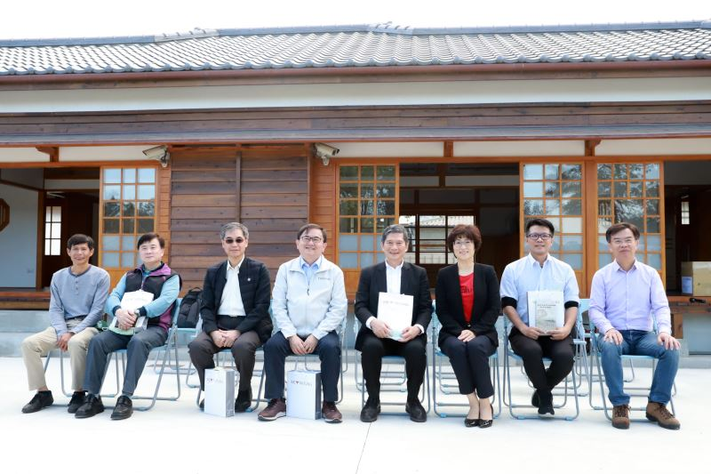 Culture Minister Lee remarks Taitung's artistic atmosphere and cultural diversity during visit