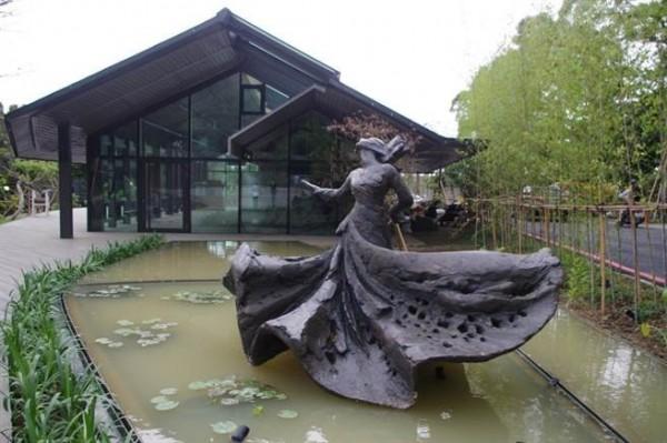 Lo Man-fei, star de la danse