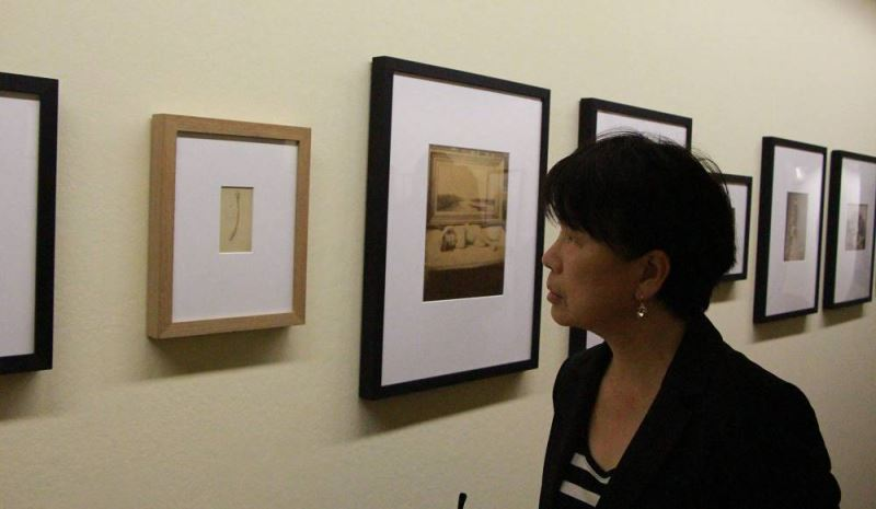 Culture Minister visits Swiss photography museum