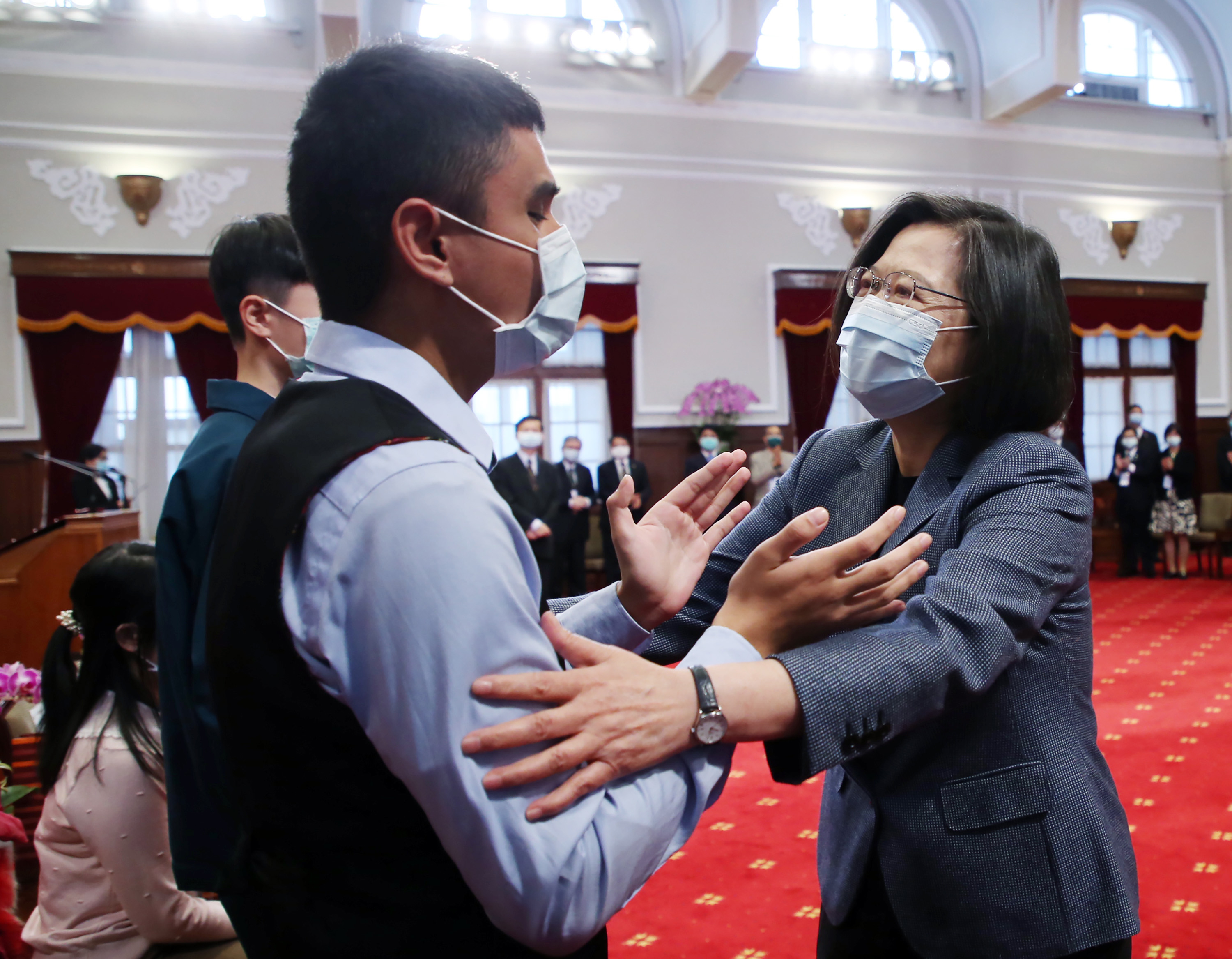 President Tsai Ing-wen receives winners of the Visually Impaired Music Competition