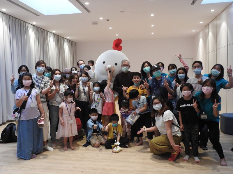 NTMoFA Holds event to introduce comic books on life stories of Taiwanese artists