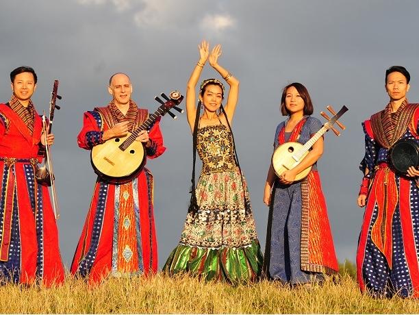 來自台灣的「聲動樂團」橘郡創價大學表演藝術中心演出