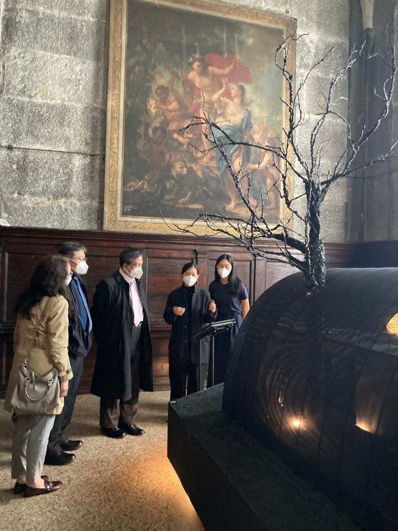 Taiwan's representative to Italy visits Taiwan Pavilion at 17th International Architecture Exhibition in Venice