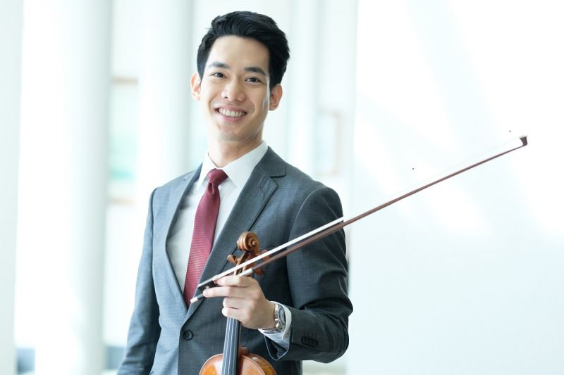 Violinist | Richard Lin