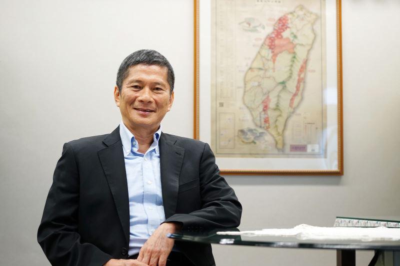 Ministro de Cultura  Lee Yung-te