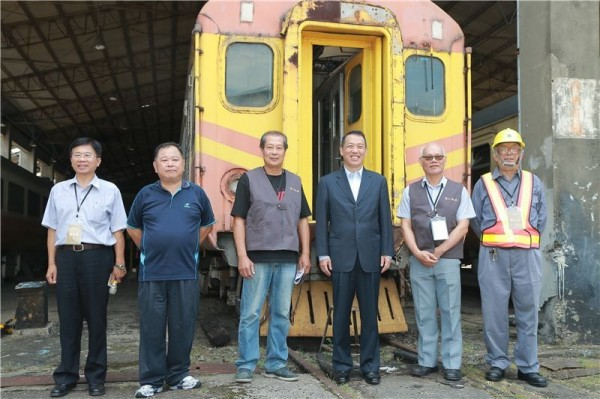 Taipei Railway Workshop launches group tours for train aficionados
