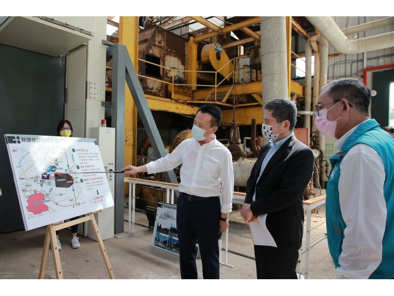 Culture Minister Lee Yung-te visits historic Lin Kai-tai Clinic in Chiayi