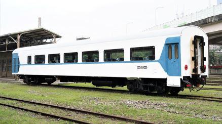 SP32850 型空調鋼體客車