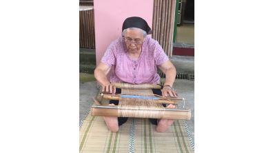 將耆老腦海裡的記憶變成技藝  香蕉絲編織工藝的復振與傳承