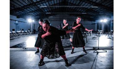 劇裡戲裡的文化與劇場反思  從lamaljeng談起的文化未曾老去