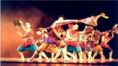 蔡麗華與林文中 母子編舞家的傳統情結