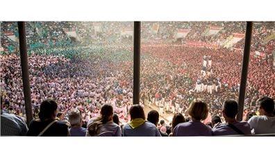 眾志成城超越巔峰 讓人屏息的塔拉戈那人塔疊羅漢大賽