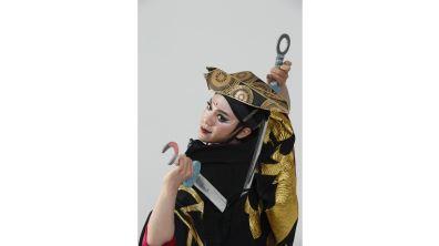 塑造藝術上的帥氣武旦 楊瑞宇的擬女學