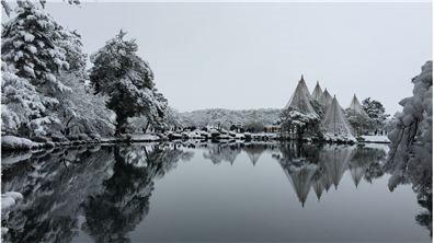 冬:細雪妝豔  冬兼六