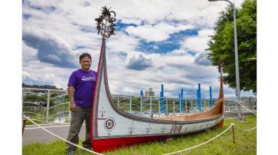 雅美族文化的基石   張世凱謙卑造拼板舟