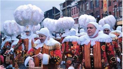 比利時小鎮守護傳統   世界非物質文化遺產 班什嘉年華會