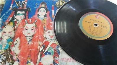蘇家班塵封的音效黑膠唱片  見證金光野台布袋戲的全盛時代