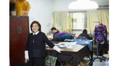 劇場服裝設計師 蔡毓芬  纖纖巧手織華錦