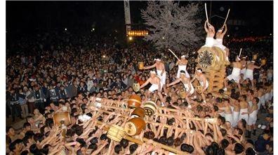 寒夜裸身起太鼓  高山上的古川祭