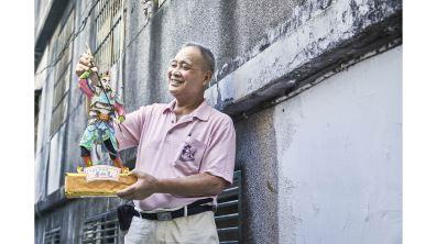 給好兄弟看的「麵粉尪仔」 看桌米雕裡的中元文化
