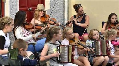 愛爾蘭傳統音樂節 樂音在民謠國度飄揚