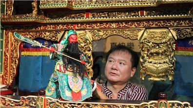 獨特布袋戲家族  快樂接續對於臺灣偶戲的熱愛