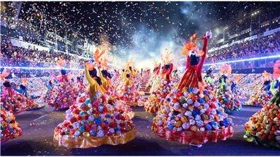 龍獅鑼鼓與森巴嘉年華交融  獅城年節展現傳統與創新