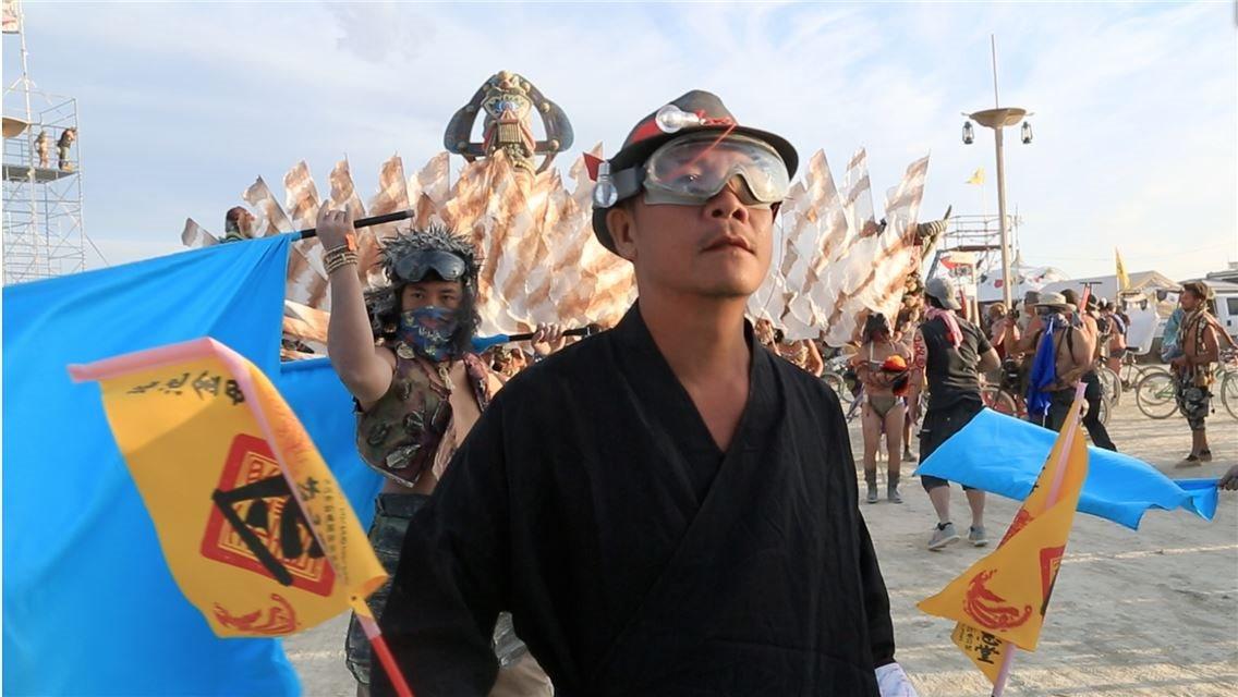 蕭青陽夢想成真 蓮花媽祖廟 驚艷美國火人祭