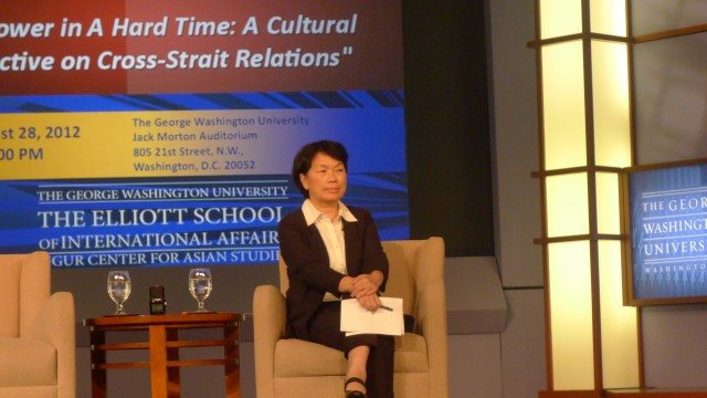Lung meets with U.S. cultural authorities